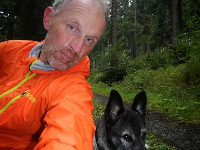 Selfie im Fichtenwald