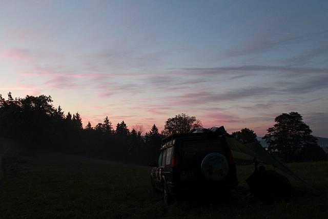 Lager im Sonnenaufgang