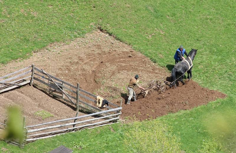 Magura, Bauern bei der Feldarbeit.